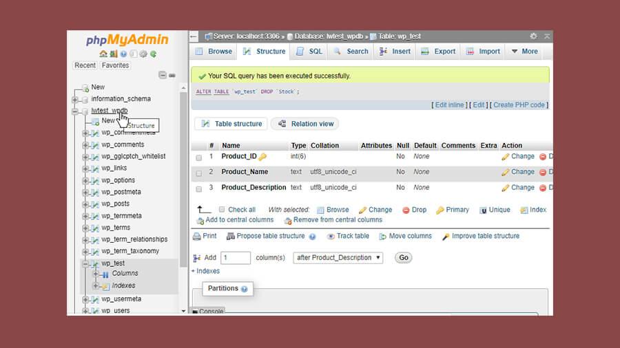 انتخاب نام پایگاه داده از منوی سمت چپ