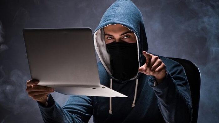 جاناتان جیمز از بزرگ ترین هکر های دنیا